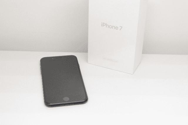Сдать смартфон Apple iPhone в ломбард