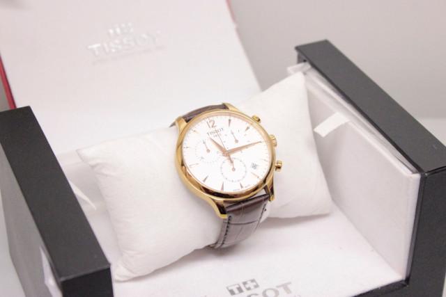 Сдать в ломбард наручные часы Tissot