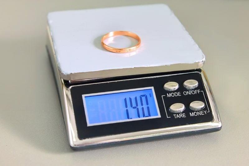 сколько стоит золотое кольцо