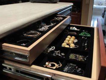 хранение золотых украшений