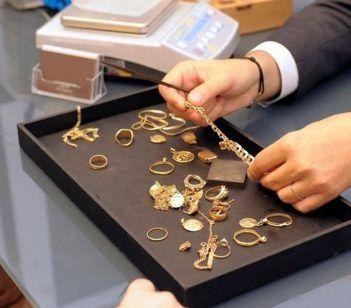 Выгодно сдать золото в ломбард