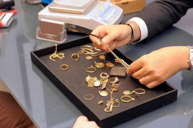 В сдать челябинск серебро ломбард ссср продать цена наручные часы